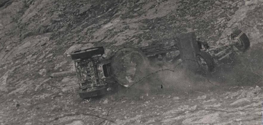 Force 135 decommisioning an artillery gun