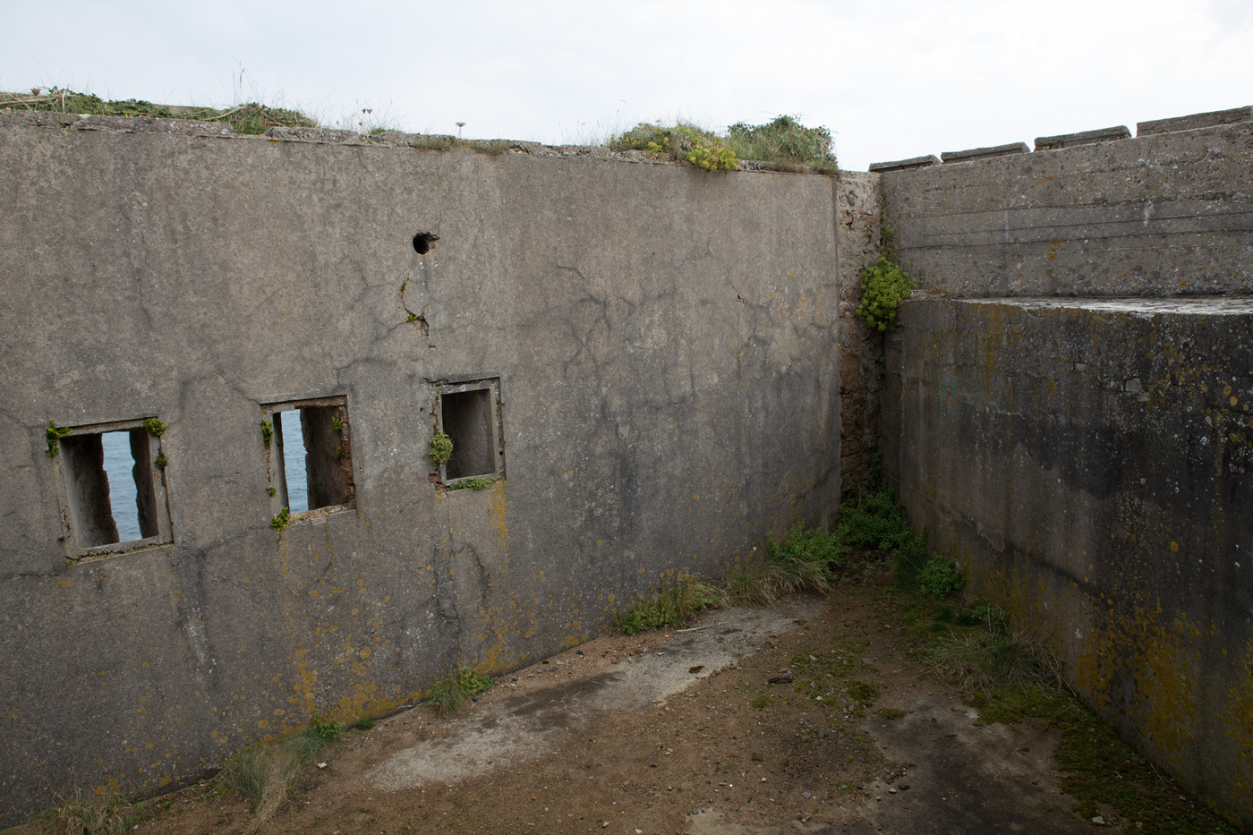 Searchlight Bunker, Ringstand and Shelter