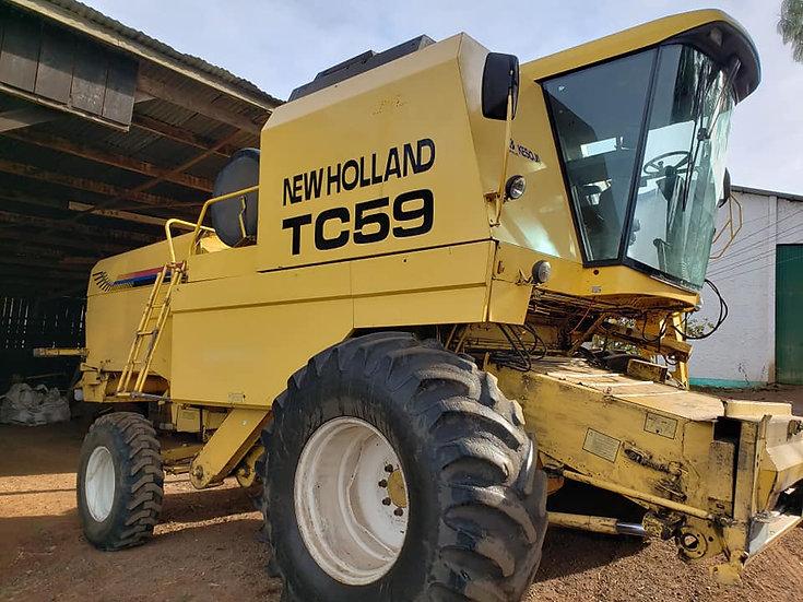 Colheitadeira New Holland TC59
