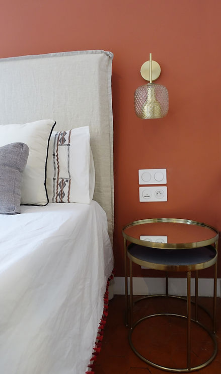 Nice chambre rouge 2.JPG