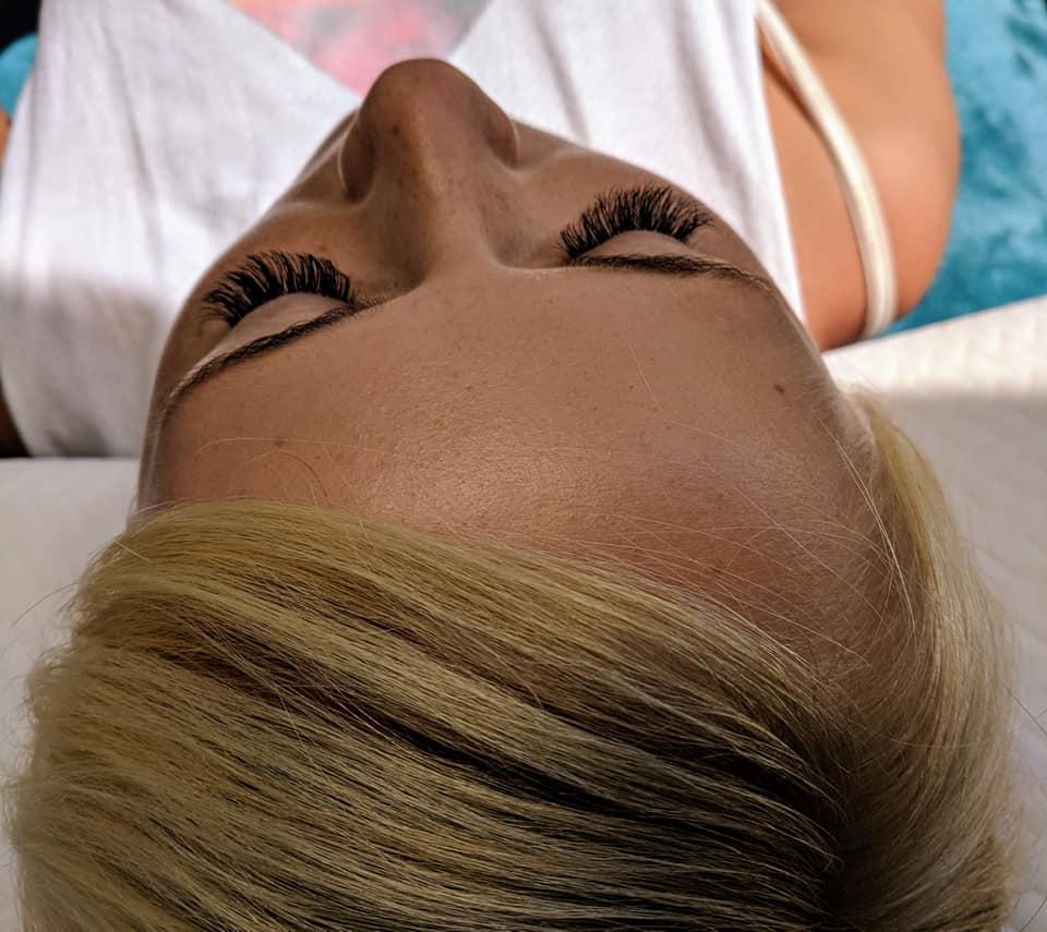 Eyelash-extensions-in-Gosport