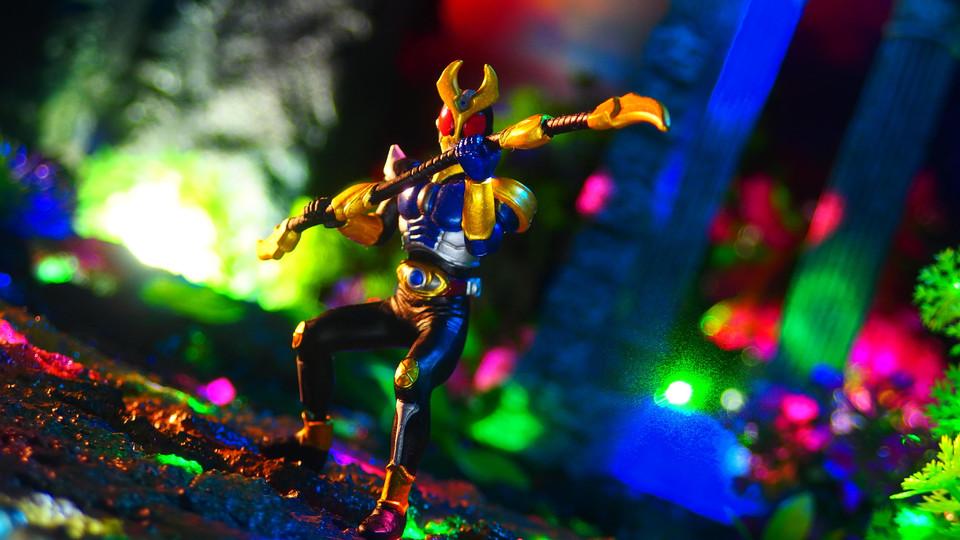 仮面ライダーアギト(ストームフォーム) (HG 仮面ライダー16 最強戦士は誰だ!編)〔BANDAI〕