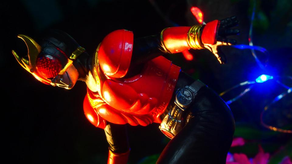 仮面ライダークウガ(マイティフォーム) アルティメットソリッド仮面ライダー3 〔BANDAI バンダイ〕
