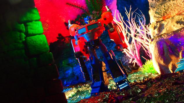 オプティマスプライム Optimus Prime 〔Cyberverse Deluxe Classサイバーバース デラックスクラス〕