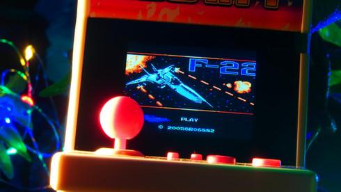2.4インチ液晶 108 in 1  アーケード筐体型ゲーム機DX