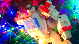 ラチェット Ratchet Exclusive+ TF-02B Upgrade Kits〔Syge War for Cybertron〕 〔シージシリーズ UFO〕北米版 【国内:タカラトミーモール限定】トランスフォーマー シージ SG-EX ラチェット