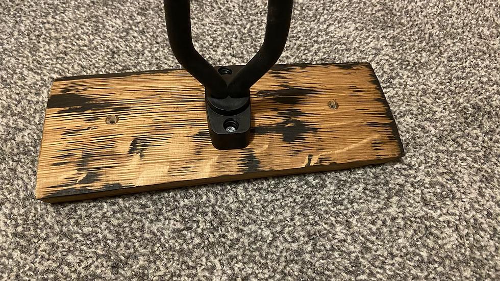 Single wall hanging guitar holder