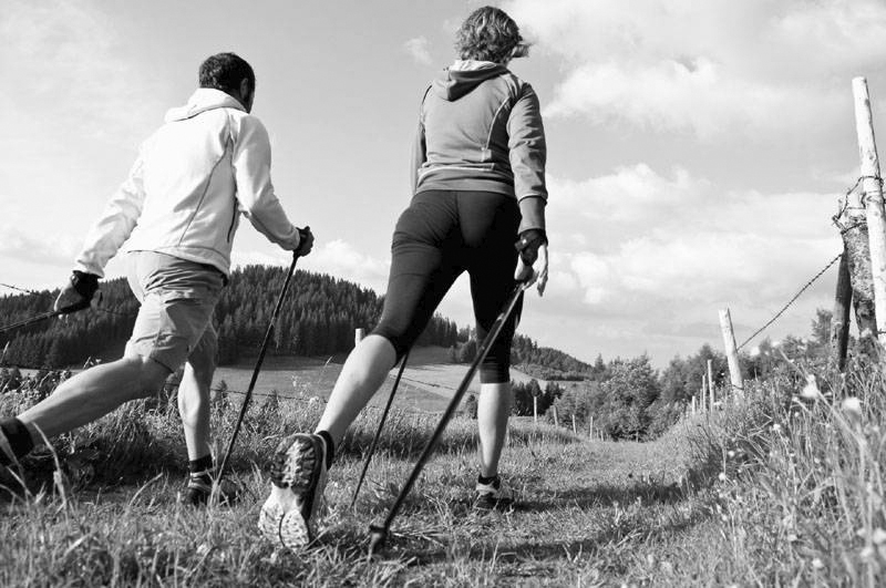 nordic-walking_N&B