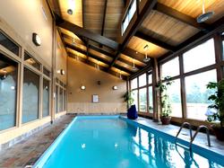 Grouse Mountain Lodge 格羅斯山旅館