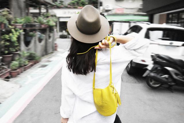 新品推薦—芥黃袋型肩背包