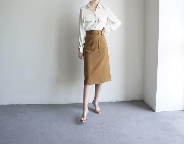 刺繡小V領白色襯衫-D