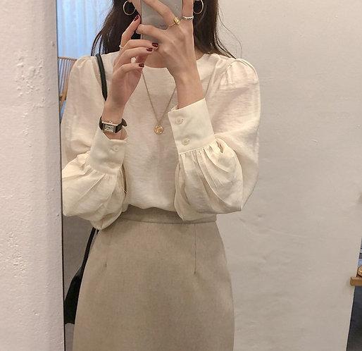 圓領泡泡袖上衣-A