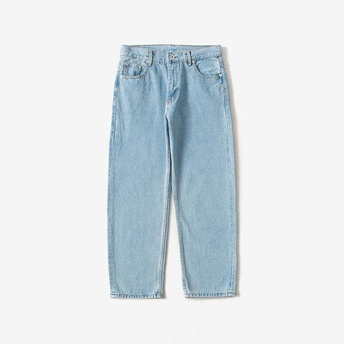 日系寬鬆直筒型牛仔褲-A