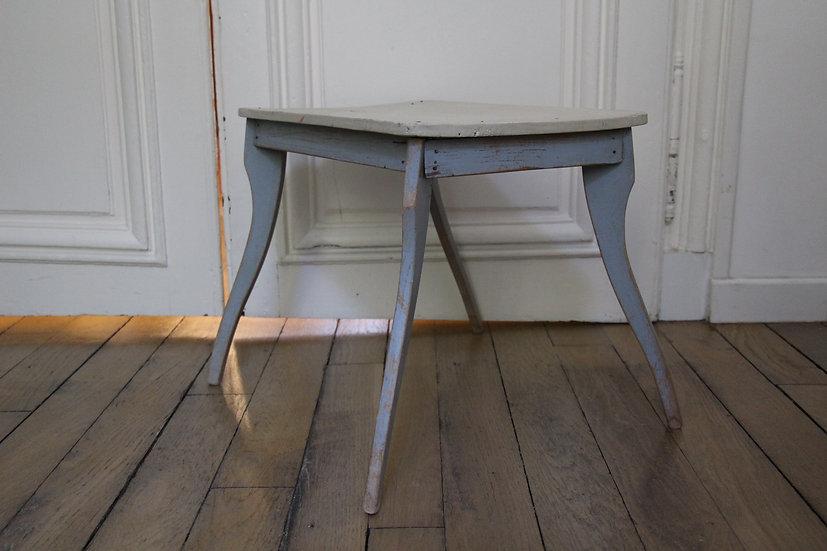 Bureau ou table d'enfant en bois patiné bleu et crème, vintage suédois