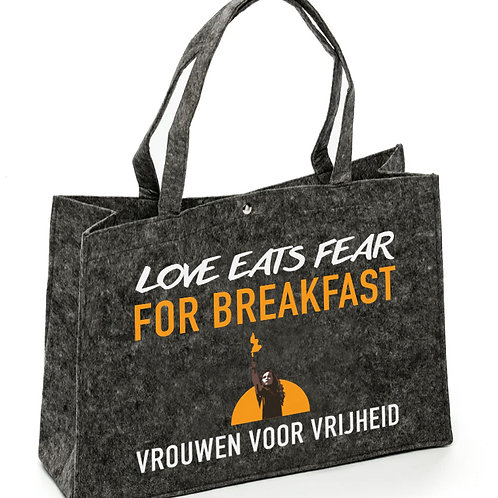 Vilten tas 'Love eats fear for breakfast'