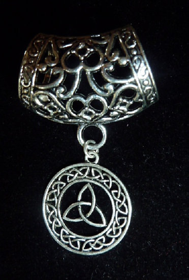 Scarf Pendant - Celtic circle