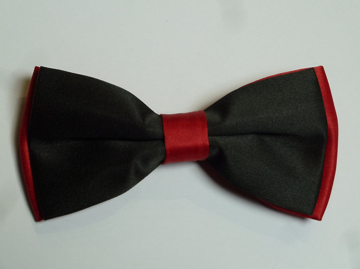Bowtie - Black on Red