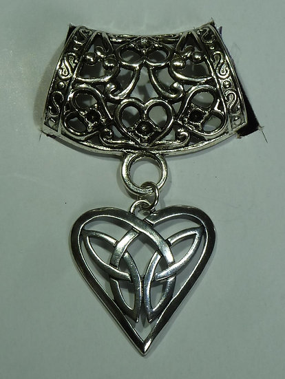 Scarf Pendant - Celtic Heart
