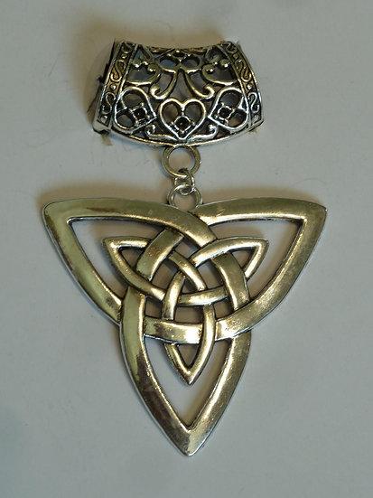 Scarf Pendant - Large Celtic Knot