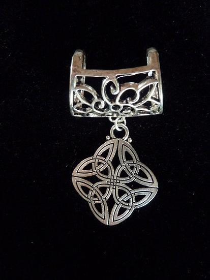 Scarf Pendant - Celtic