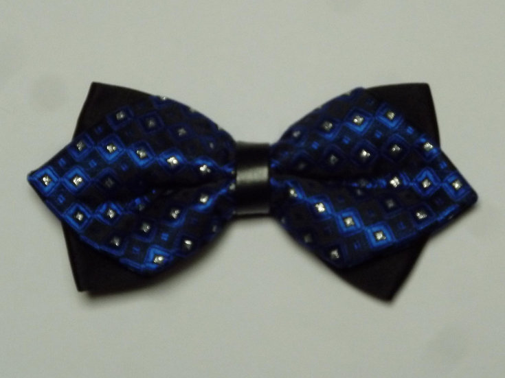 Bowtie - Black and Royal Points