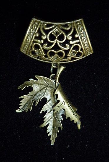 Scarf Pendant - Bronze Leaf