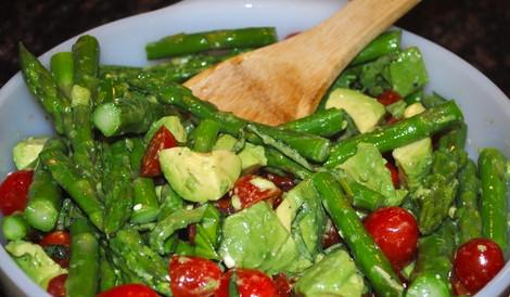 Appetizing Asparagus Basil Salad