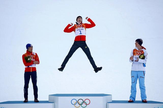 Cette étude vient s'ajouter à d'autres travaux ayant démontré par le passé les bienfaits de l'activité sportive même de très haut niveau sur l'espérance de vie. Sur cette photo, Eric Frenzel célèbre sa victoire au combiné nordique aux Jeux de Sochi, en 2014. PHOTO KAI PFAFFENBACH, ARCHIVES REUTERS