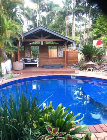 Salt water plunge pool & Spa