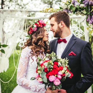 sposi-innamorati-giardino-matrimonio