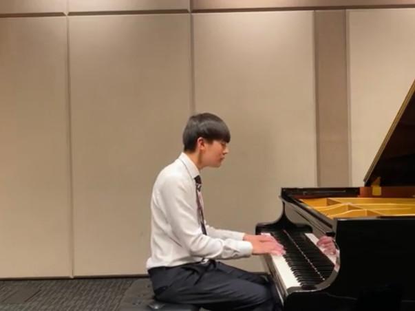YAD! Winner Joshua Hahn Performs