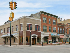 Kilwins and Lofts in Downtown Holland
