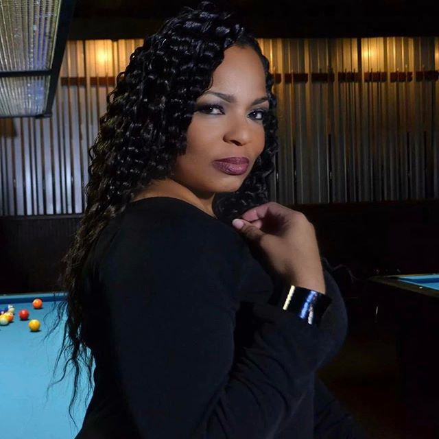 When you like to play pool and take pics😂 #model #life #curves #international #bookMe #iTravel4oppo