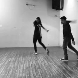 First dance video 🐴, Be nice 😛_Lots of