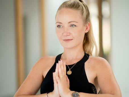"""Vollzeitjob im Büro und """"nebenbei"""" Yogalehrerin?"""