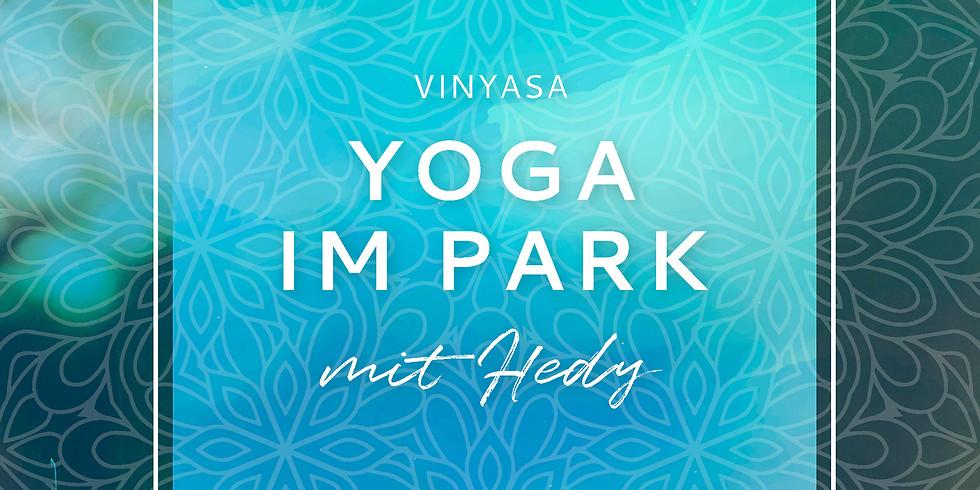 Yoga im Park - happy hips