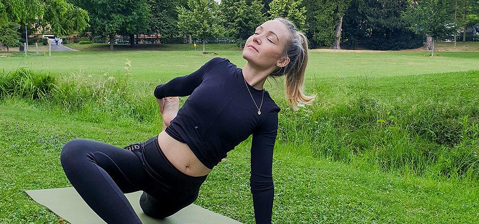 yoga-im-park-wiesbaden.jpg