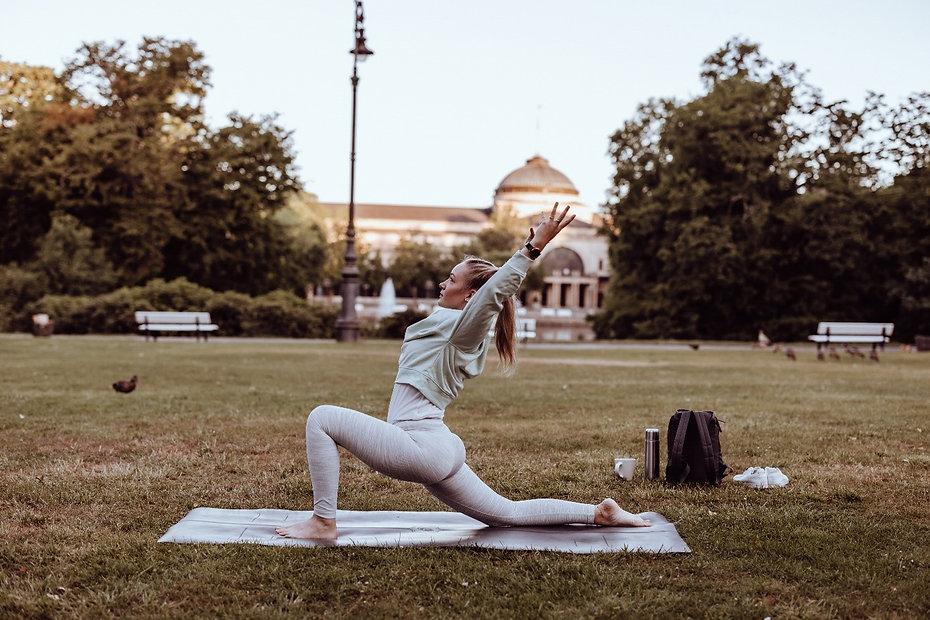 Vinyasa_Yoga_Hedy_Wiesbaden_Ayurveda_Vat