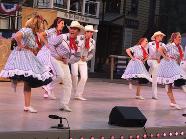 It's a show stompin' good time!