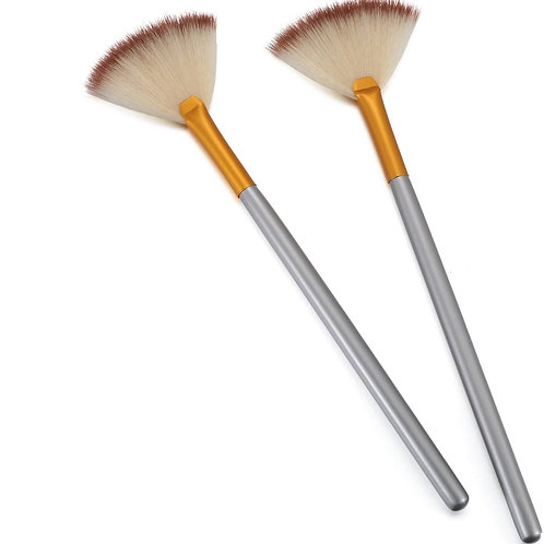 Medium Fan Brush
