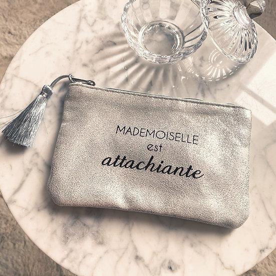 Pochette Mademoiselle est Attachiante Argent