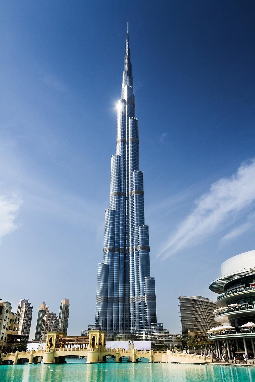 Hire a driver to visit Burj Khalifa
