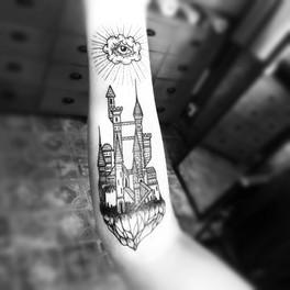 Frederic Agid-tatouage-manchette.jpg