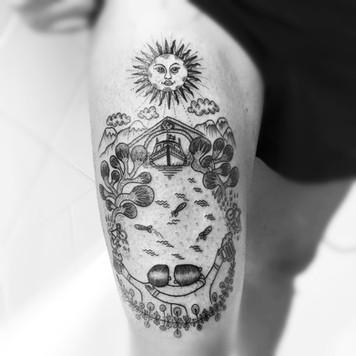 Frederic Agid-tatouage-cuisse.jpg