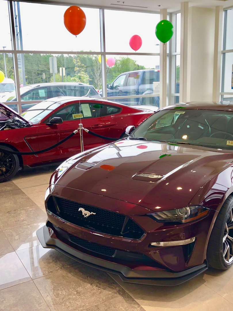 Jerry's Ford Leesburg showroom 2.jpg