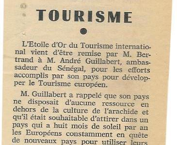 Journal Les Echos de Paris.jpg