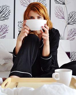 adult-bed-bedroom-breakfast-364362.jpg