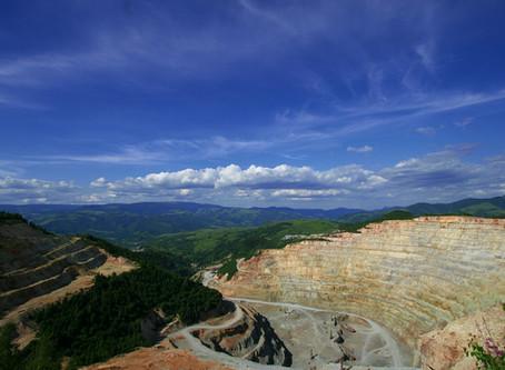 Quais são as etapas de um projeto de mineração?