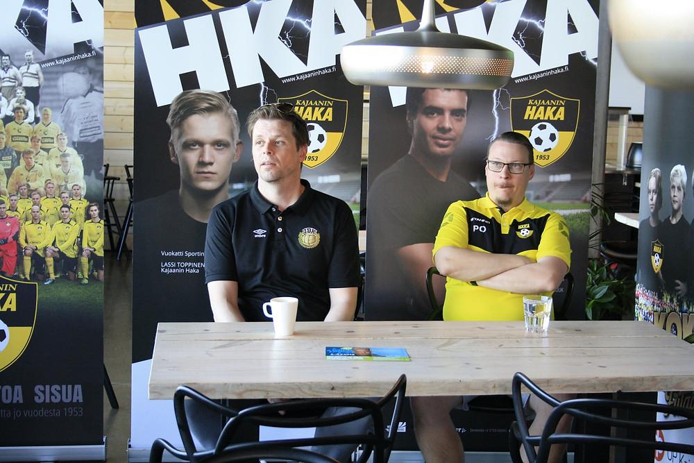 Päävalmentaja Jonas Sandlin JBK ja valmentaja Peter Olson KajHa
