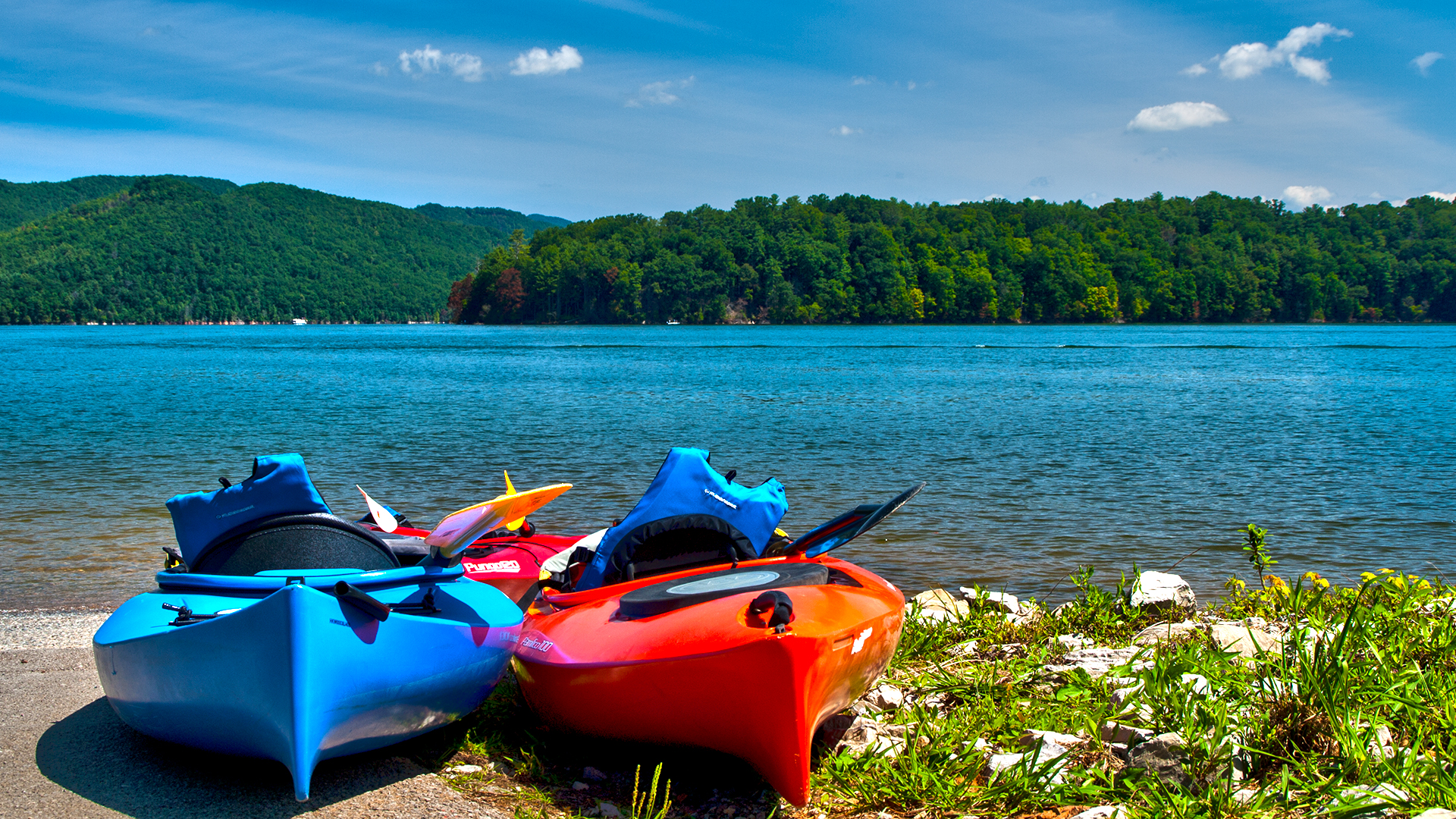 Kayaking at Watauga Lake